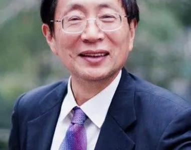 他向邓小平建议恢复高考 其建议只被拿掉4个字